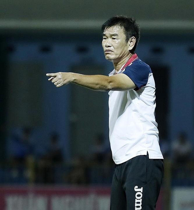 HLV Phan Thanh Hùng của Quảng Ninh một trong những chiến lược gia giàu kinh nghiệm bậc nhất tại V-League (ảnh VPF)