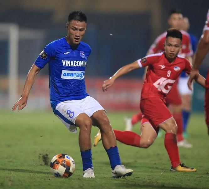 Nhiều khả năng thương hiệu Asanzo sẽ biến mất khỏi áo thi đấu của Quảng Ninh (ảnh vPF)