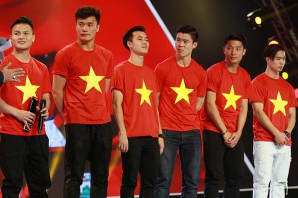Vẫn còn rất nhiều ông bầu tâm huyết muốn đồng hành cùng bóng đá Việt Nam (ảnh VietTimes)