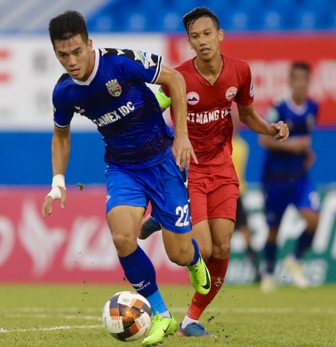 Tiến Linh (B.BD) vừa có hat-trick vào lưới Tây Ninh trong chiến thắng 5-0 (ảnh VPF)
