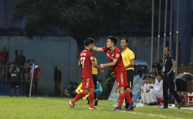 Xuân Trường cũng không cứu được trận thua 0-3 tại Cửa Ông (ảnh Vietnamnest)