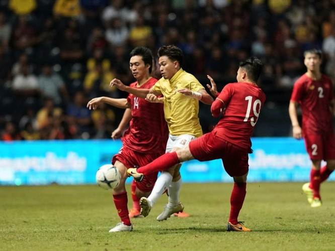 Thái League cũng sẽ có điều chỉnh vòng 26, thay vì đấu ngày 29.8 sẽ đẩy sớm lên 2 - 3 ngày để các cầu thủ Thái Lan hội quân ít nhất 1 tuần trước trận then chốt với tuyển VN. Ảnh VPF.