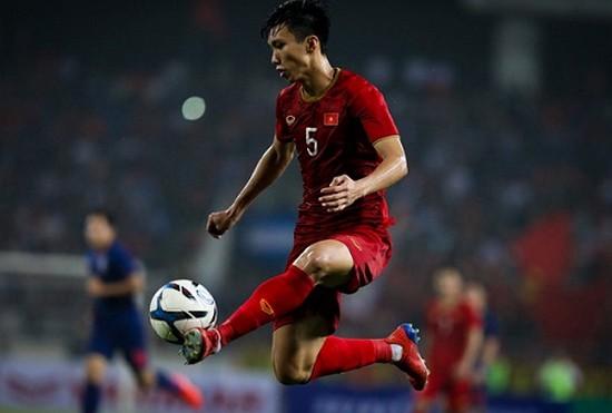 Trong năm nay, hậu vệ Văn Hậu đã tham gia 38 trận đấu. Ảnh VPF.
