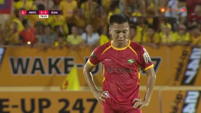 Cùng với thủ môn Nguyên Mạnh thì Khắc Ngọc là cái tên nhiều đội bóng quan tâm. Ảnh SLNAFC.
