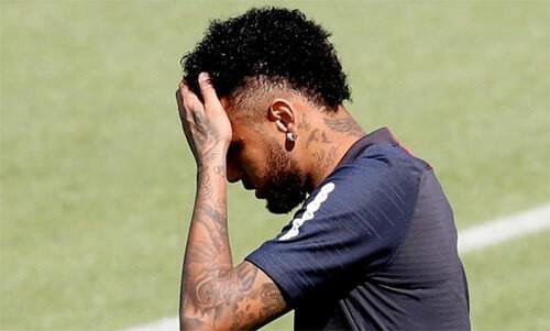 """""""Bom xì"""" Neymar đã không thể rời PSG."""