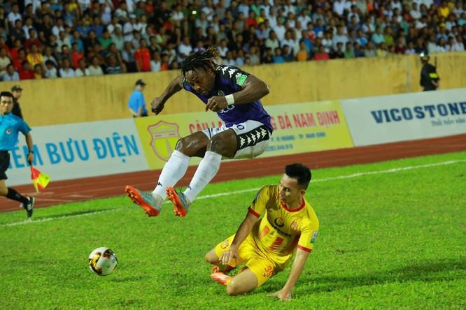 Hà Nội muốn đòi món nợ 2-0 trên sân Thiên Trường. Ảnh NĐFC