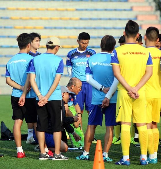 """ĐT Việt Nam đang """"thừa Rooney, thiếu """"Van Nistelrooy"""" ảnh 1"""