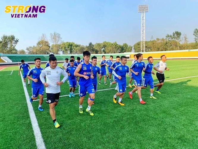 Lãnh đạo CLB Hà Nội đã có lỗi trong vụ việc này. Ảnh HNFC.