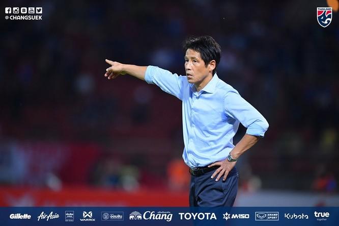 HLV Akira Nishino đã gọi tới 32 cầu thủ Thái Lan chuẩn bị cho cuộc đối đầu với Malaysia và Việt Nam. Ảnh FAT