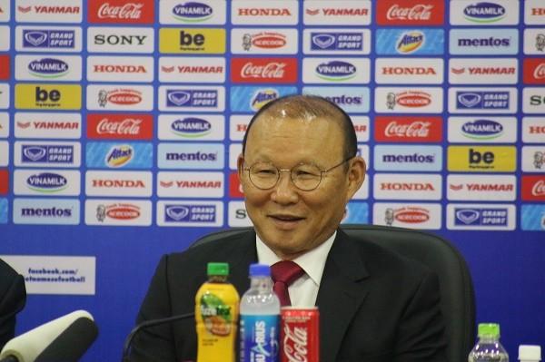"""""""Tôi yêu bóng đá Việt Nam, đó là tình yêu chân thành"""" - ông Park bày tỏ ảnh 2"""