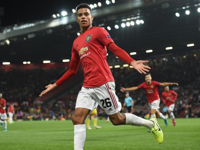 Greenwood là cầu thủ trẻ nhất lịch sử M.U vừa ghi bàn, vừa kiến tạo ở một trận đấu thuộc cúp châu Âu, khi mới 18 tuổi 37 ngày. Ảnh MUFC