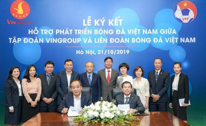 Thỏa thuận hợp tác hỗ trợ phát triển bóng đá Việt Nam giữa Vingroup và VFF sẽ giúp cho đội tuyển quốc gia cất cánh. Ảnh VPF