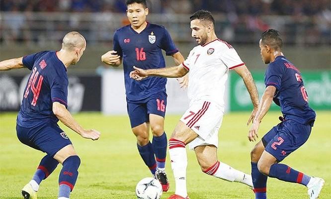 Không có chân sút số 1 Ali Mabkhout nhiều khả năng UAE sẽ chơi tiền đạo ảo theo sơ đồ 4-6-0 . Ảnh FAT