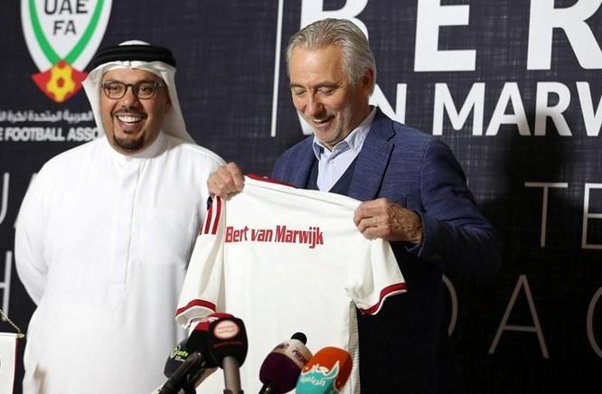 Đội tuyển UAE- Chơi tiền đạo ảo, tra tấn thế lực đối phương ảnh 2