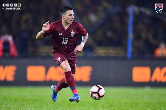 Hậu vệ phải Tristan Do được cho là có lỗi trong cả 2 bàn thua trong trận đấu với Malaysia chưa chắc đã được ra sân. Ảnh Changsuek
