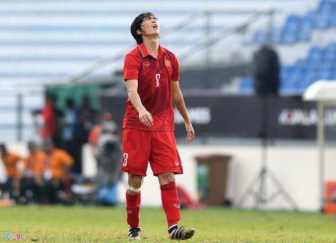 Nỗi buồn sau trận thất bại 0-3 trước Thái Lan tại SEA Games 2017. Ảnh Zing.