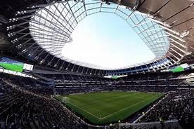 Khán giả Tottenham đang trông chờ Jose làm điều đặc biệt. Ảnh CNN