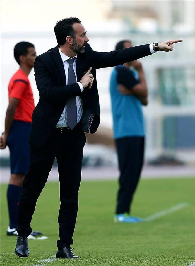 Fabio Lopez từng làm HLV đội Borneo đang đứng thứ 16 trong số 21 đội đang tham gia Giải vô địch Indonesia. Ảnh TH