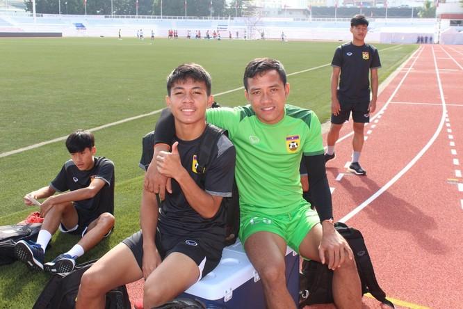 Niềm hy vọng của bóng đá Lào nhờ cách làm khá lạ. Ảnh DT