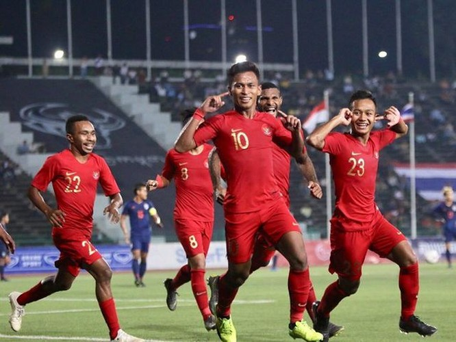 Về cơ bản lối đá U22 Indonesia không khác mấy đàn anh trên đội tuyển quốc gia, dựa nhiều vào tốc độ, dùng nhiều miếng đánh biên. Ảnh CNN