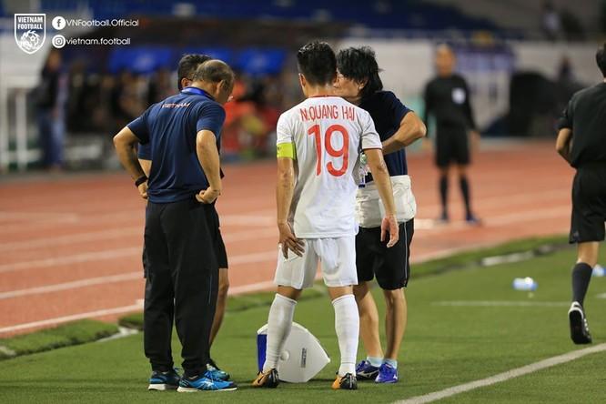 Chấn thương của Quang Hải khiến ông Park phải điều chỉnh chiến thuật. Ảnh CF