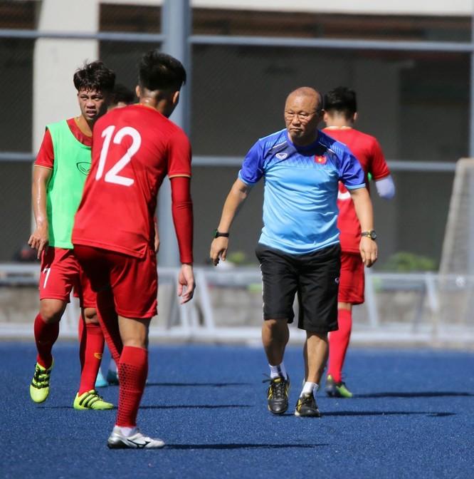 Trong 10 tháng ông Park đã triệu tập 71 cầu thủ, 9 đợt tập trung rải rác năm 2019. Ảnh VFF