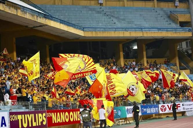Nguyễn Văn Sỹ - như một người thầy, người cha tại đội bóng Nam Định ảnh 2