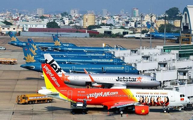 21 sân bay thuộc Tổng công ty Cảng Hàng không Việt Nam (ACV) đạt khoảng 115 triệu khách/năm khiến cho con số 8 triệu HK/năm của đường sắt trở nên nhỏ bé đi. Ảnh AT