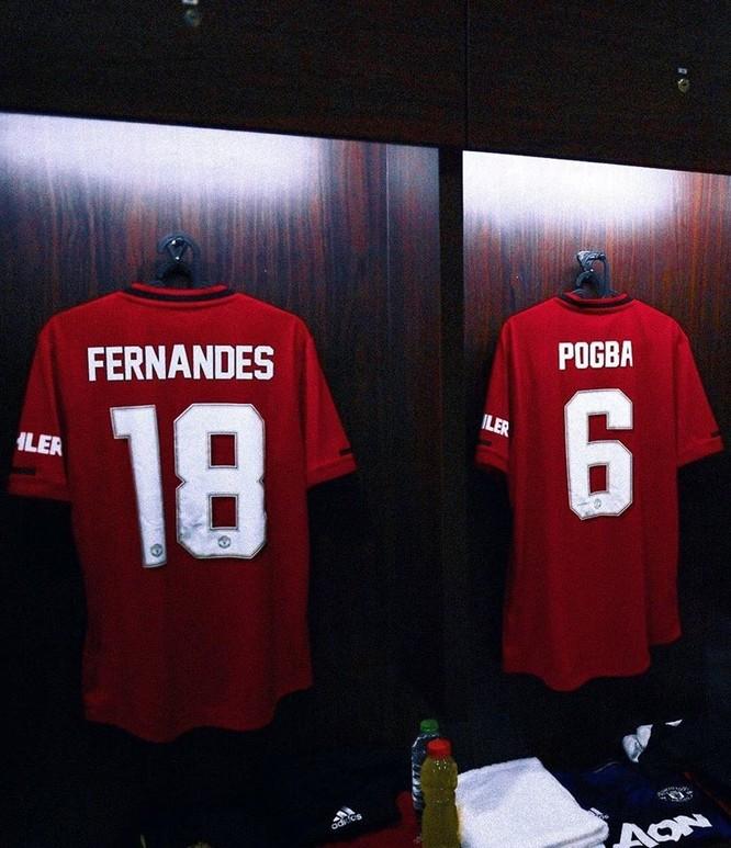 Tân binh Bruno Fernandes khoác áo số 18 của MU ảnh 2
