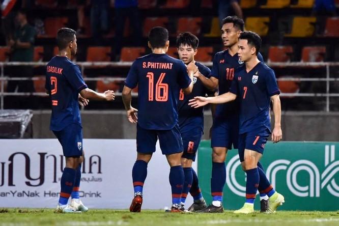 HLV Nishino và những biến động của bóng đá Thái Lan ảnh 1