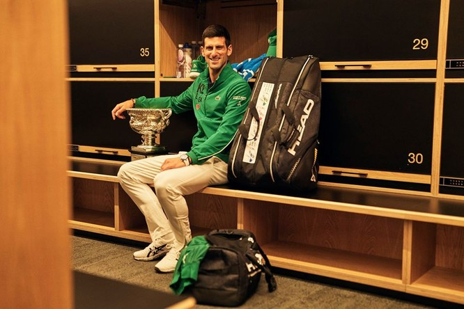 Australian Open: Nole lần thứ 8 vô địch nhưng để lại hình ảnh xấu với người hâm mộ ảnh 3