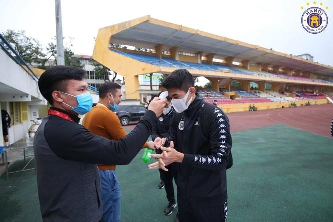 Virus Corona: Nhìn từ M-League đến V-League ảnh 2