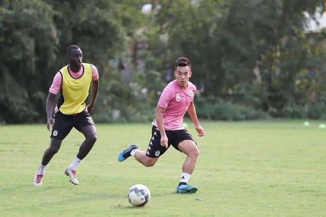 Bóng đá chuyên nghiệp Việt Nam, dưới con mắt cựu GĐKT Hà Nội FC Daniel Enriquez ảnh 1