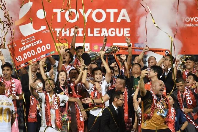 Chàng rể Việt làm rạng danh bóng đá Thái ảnh 1