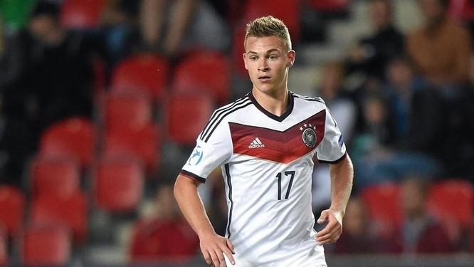 Joshua Kimmich- con dao pha của Bayern Munich ảnh 3