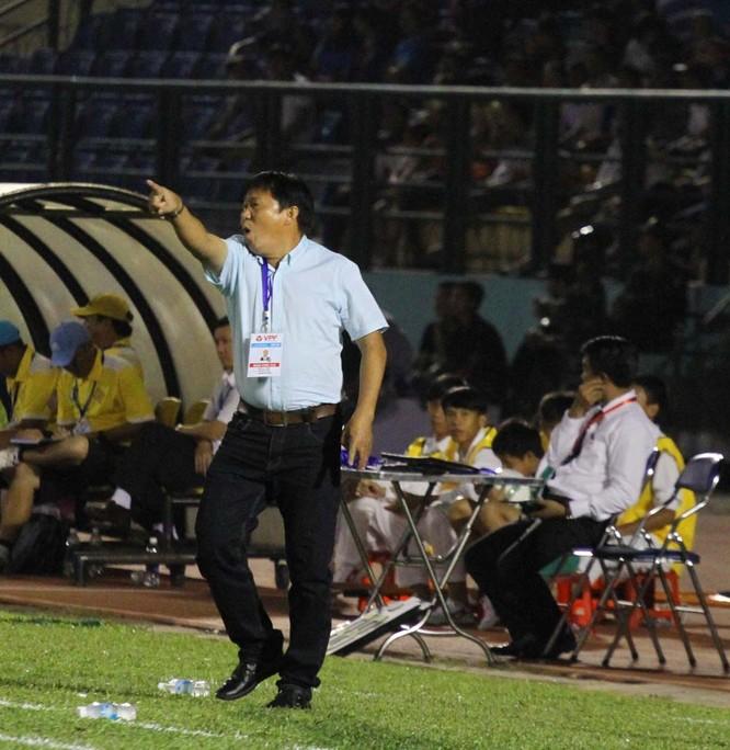 Ai đang nắm chân ghế HLV bóng đá Việt? ảnh 1