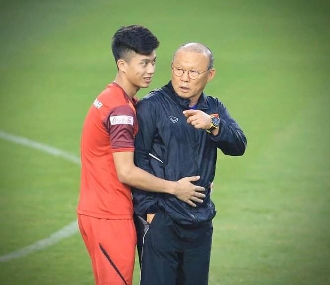 Ai đang nắm chân ghế HLV bóng đá Việt? ảnh 3