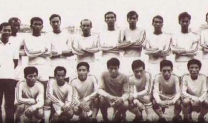Đội Cảng Sài Gòn tham dự trận cầu lịch sử cách đây gần 45 năm. Ảnh: Tư liệu