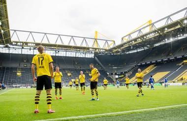 """Bundesliga: """"Derby vùng Ruhr"""" chỉ diễn ra 1 chiều ảnh 1"""