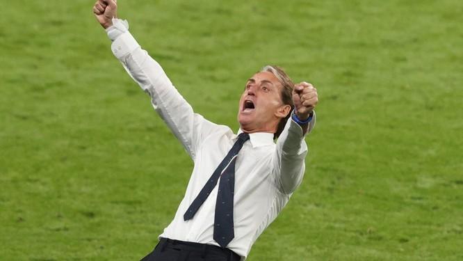 Italia- Áo (2-1): VAR đã cứu Azzurri ảnh 3
