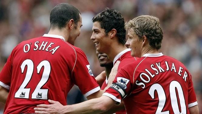 Old Trafford: Chờ đợi màn ra mắt của Ronaldo ảnh 2
