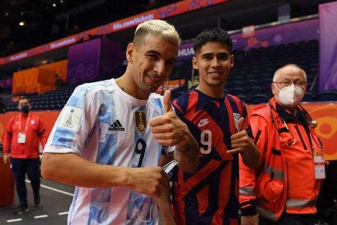 Futsal World Cup 2021: Cú đấm làm rơi Cúp vàng của Argentina ảnh 1