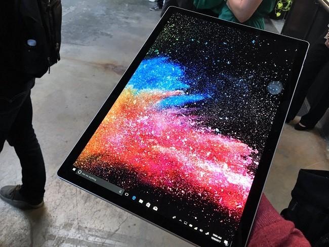 Microsoft ra mắt phiên bản Surface Book 2 với giá siêu đắt ảnh 5