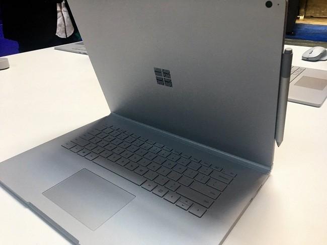Microsoft ra mắt phiên bản Surface Book 2 với giá siêu đắt ảnh 6