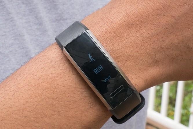 Trên tay đồng hồ thông minh Huawei Band 2 Pro ảnh 5