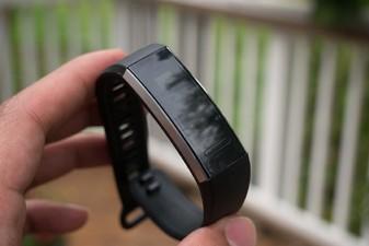 Trên tay đồng hồ thông minh Huawei Band 2 Pro ảnh 8
