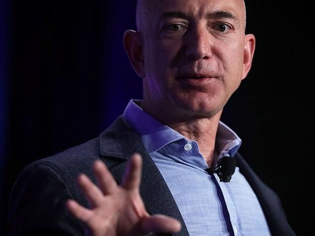 Một ngày của tỷ phú giàu nhất thế giới Jeff Bezos: không cần chuông báo thức và rửa bát sau bữa tối ảnh 1