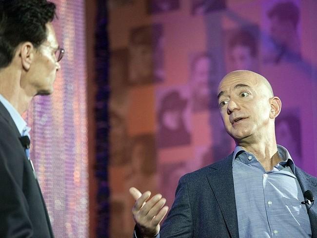 Một ngày của tỷ phú giàu nhất thế giới Jeff Bezos: không cần chuông báo thức và rửa bát sau bữa tối ảnh 4