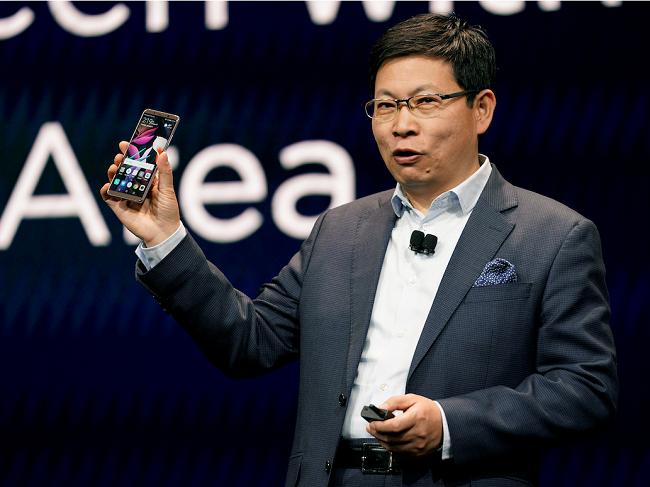 Huawei đứng trước nguy cơ lùi ngày ra mắt Mate 10 Pro vì lý do chính trị ảnh 1