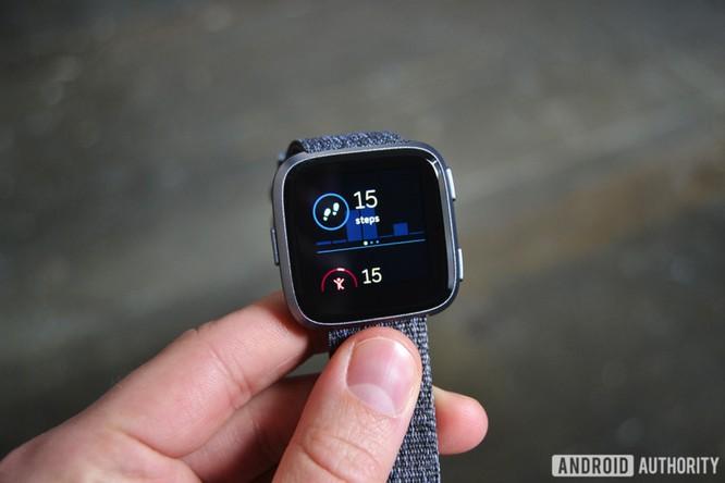 Trên tay Fitbit Versa: lịch lãm, sang trọng, giá 200 USD ảnh 3